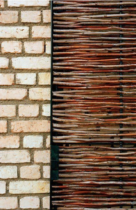 【地平线下的陈设】请各位进来拍砖......_d4e98af63275e68f5ad97f842eb002b2.jpg