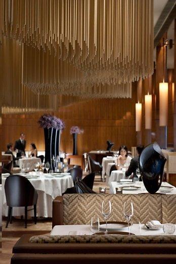 国内外大师云集---一大波美丽到哭的餐厅设计_4cd53be1b4a40e30ff582199284c7ed2.jpg