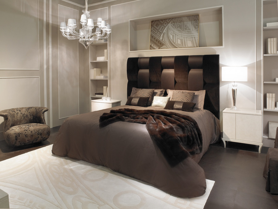 FF-Astoria-bed-Tsar-bed-side-table.jpg