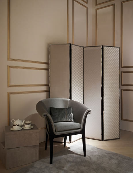 FF-CASA-Giano-folding-screen-with-Damier-Tressage-Meurice-chair.jpg