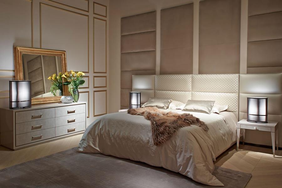 FF-CASA-Regent-bed-with-Damier-Tressage-Dedalo-bedside-tables.jpg