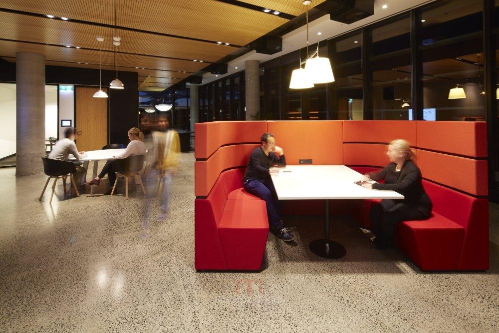 伍兹贝格建筑设计公司_120130_N26_screenhd.jpg