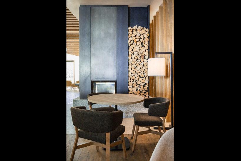 GRAND HOTEL Timeo酒店-滑雪山林度假酒店_Concreta_GHCM_SalottoCamino--819x550.jpg