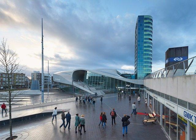 荷兰阿纳姆中心交通枢纽_Hufton- -Crow-1.jpg