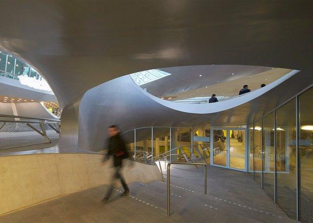 荷兰阿纳姆中心交通枢纽_Hufton- -Crow-6.jpg