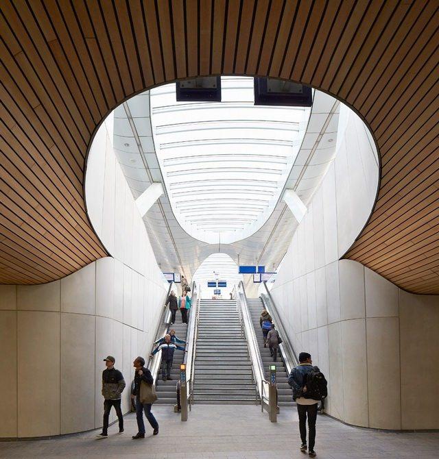 荷兰阿纳姆中心交通枢纽_Hufton- -Crow-22.jpg