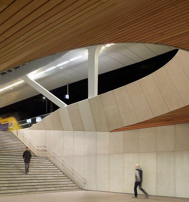 荷兰阿纳姆中心交通枢纽_Hufton- -Crow-23.jpg