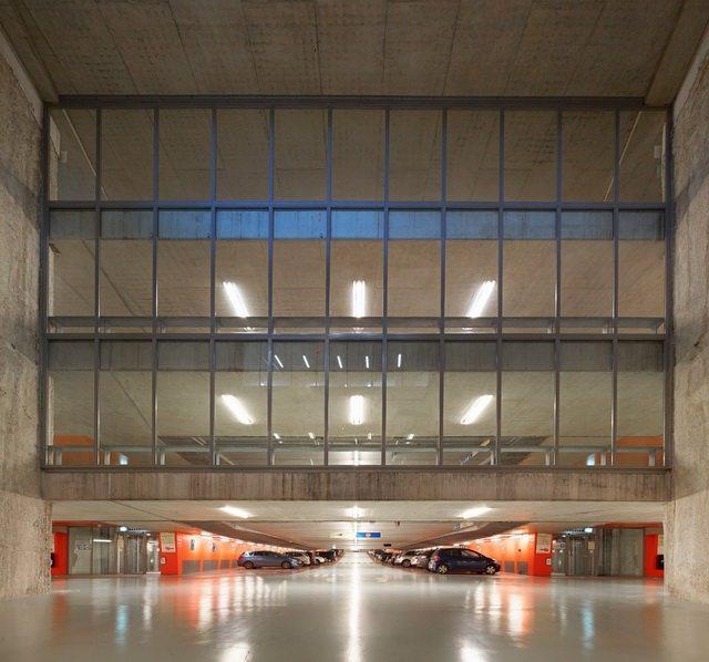 荷兰阿纳姆中心交通枢纽_Hufton- -Crow-25.jpg