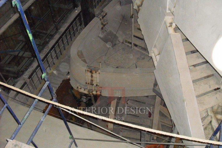 第五大道Amarni专卖店-龙卷风楼梯_40165-c50eb81cf9ef393e3e2499c4ed51920b.jpg