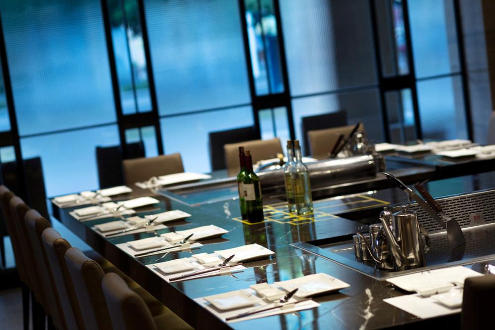 5大渔铁板烧(东莞)餐厅设计-餐桌特写.jpg