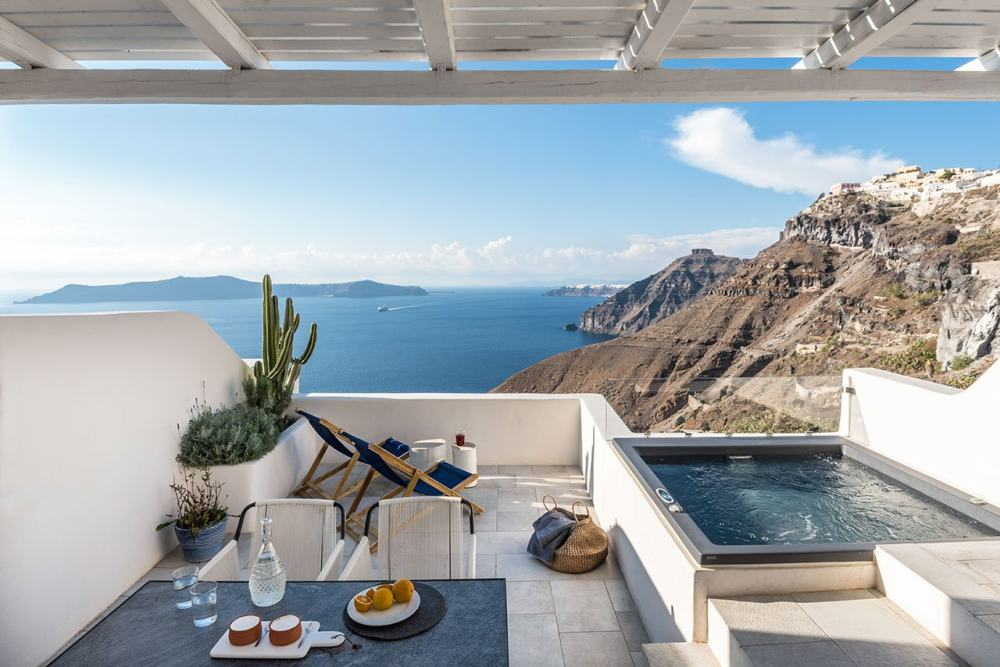 f11_porto_fira_suites_santorini_greece_interior_design_laboratorium_photo_giorgo.jpg