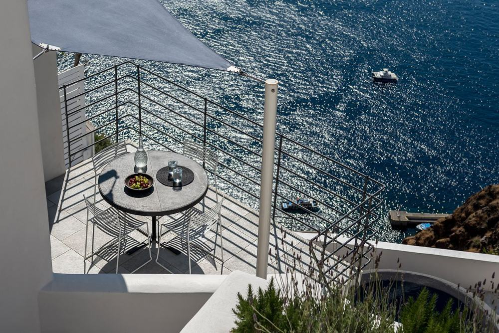 f19_porto_fira_suites_santorini_greece_interior_design_laboratorium_photo_giorgo.jpg