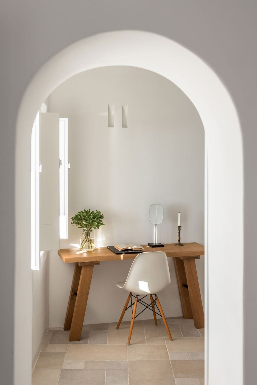 s4_porto_fira_suites_santorini_greece_interior_design_laboratorium_photo_giorgos.jpg