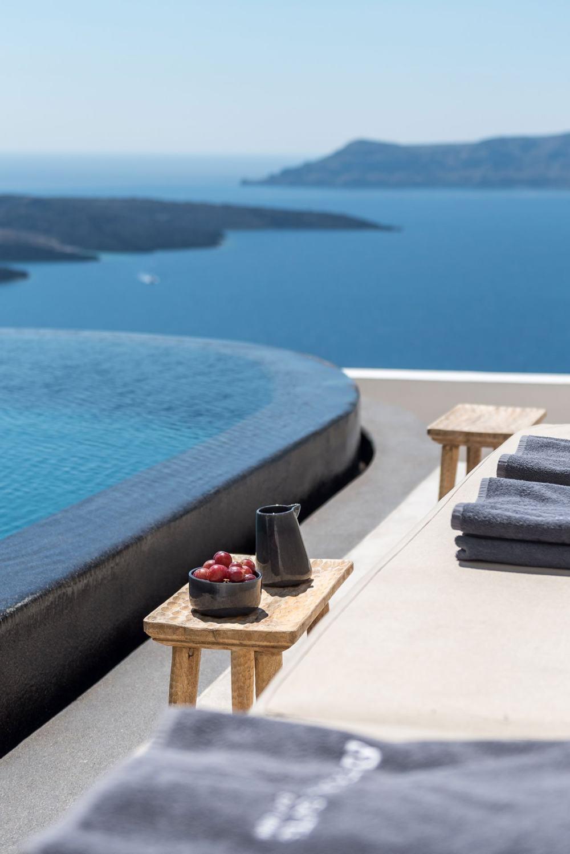 s13_porto_fira_suites_santorini_greece_interior_design_laboratorium_photo_giorgo.jpg