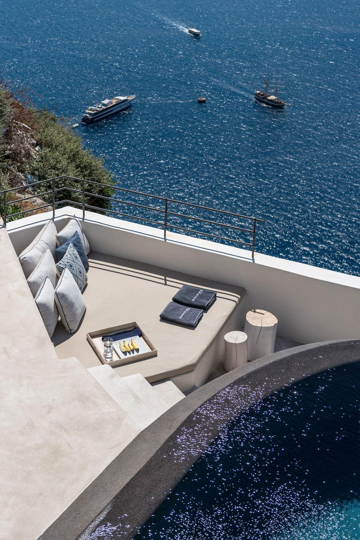 s14_porto_fira_suites_santorini_greece_interior_design_laboratorium_photo_giorgo.jpg