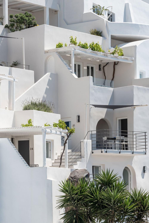 s15_porto_fira_suites_santorini_greece_interior_design_laboratorium_photo_giorgo.jpg