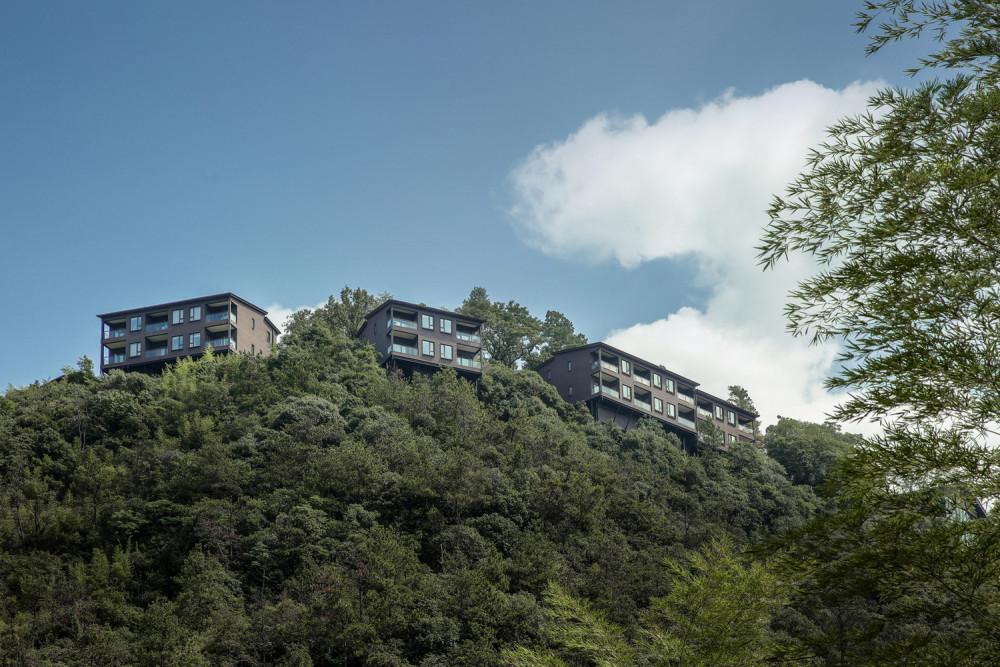 苏圣亮-酒店外景与基地.jpg