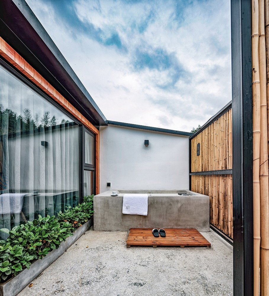 Deluxe_room_terrace.jpg
