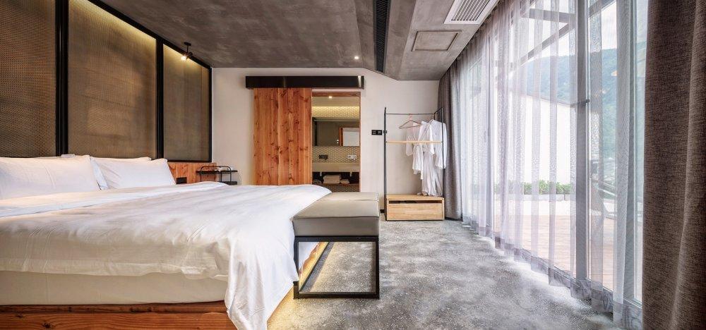 Suite_room.jpg