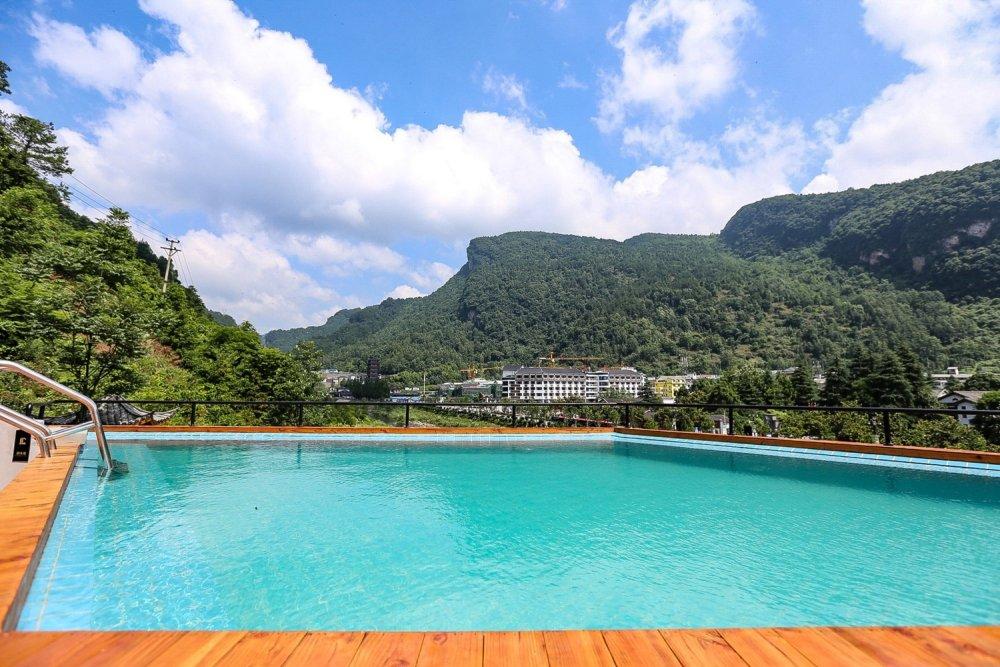 Swimming_pool2.jpg