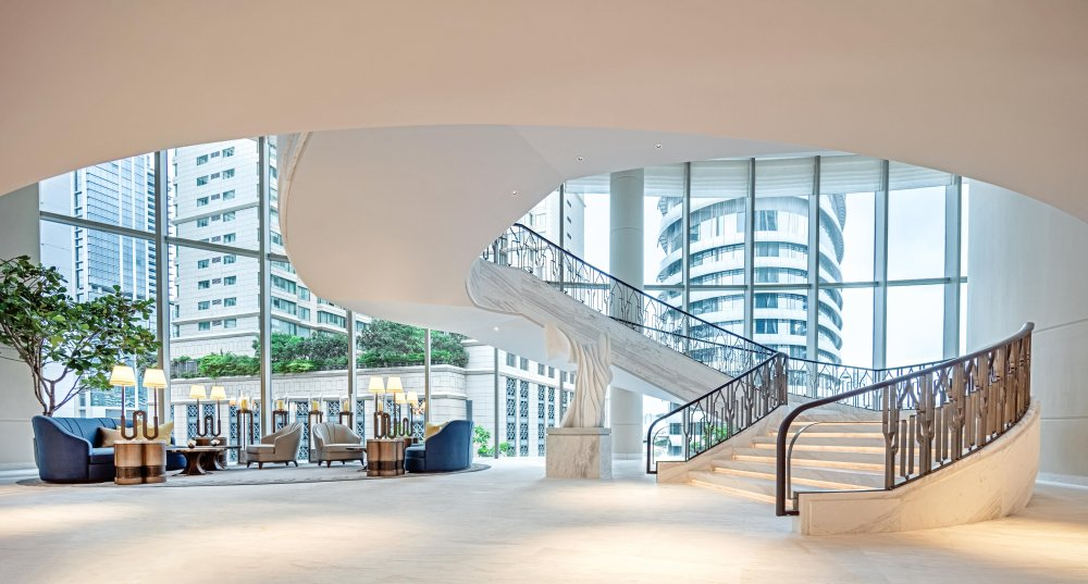 Embargoed-31.08.18-Waldorf-Astoria-Bangkok-Grand-Staircase-Day.jpg