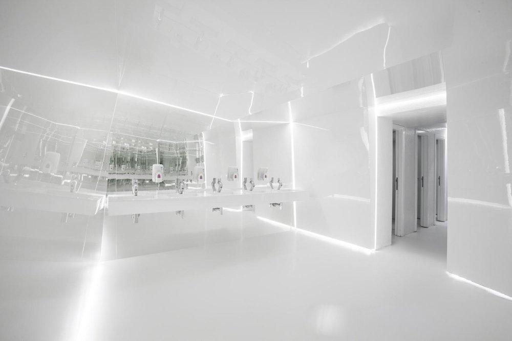 保加利亚·夜间飞行音乐酒吧---Studio MODE_13.jpg