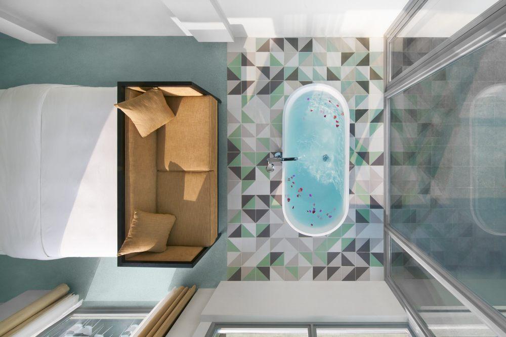 星空房浴缸.jpg