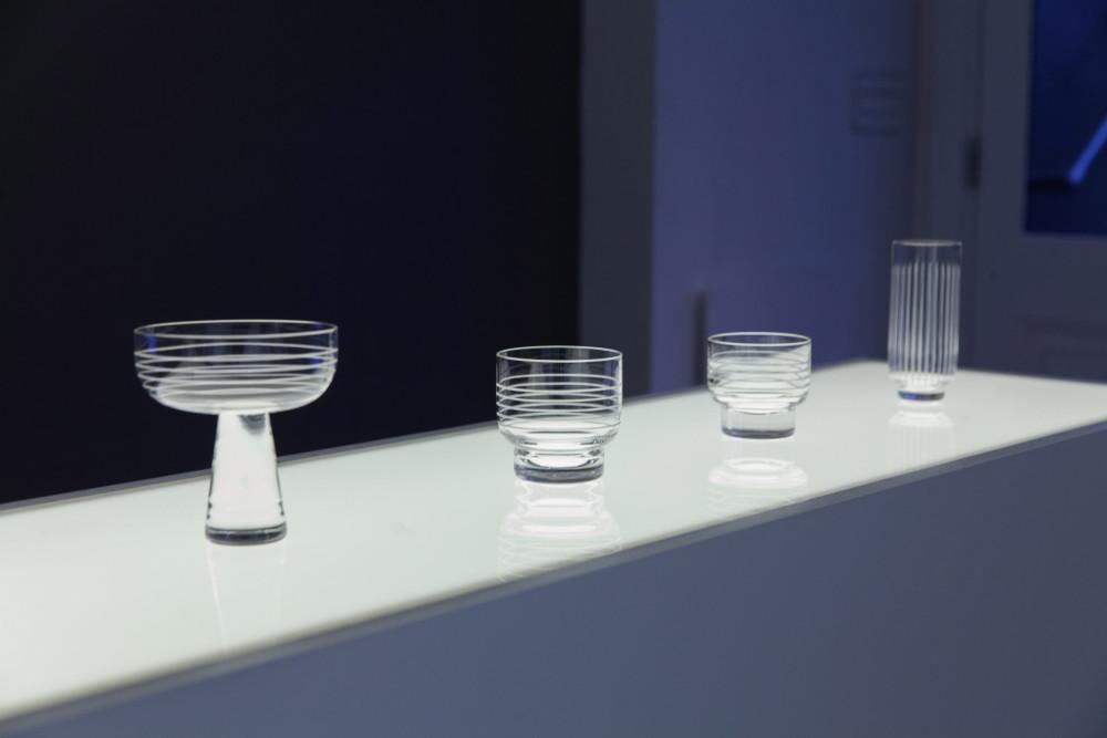 yabu-pushelberg-lasvit-crystal-cylinders-lights-new-york-design-usa_dezeen_2364_col_1.jpg