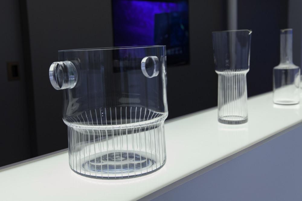 yabu-pushelberg-lasvit-crystal-cylinders-lights-new-york-design-usa_dezeen_2364_col_2.jpg