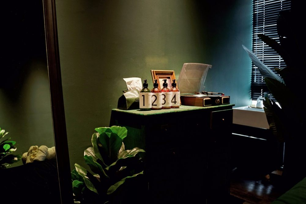 190㎡   AROMA DREAM 泰式按摩水疗店   实景图+平面图   38P_【灯灯灯凳创意工作室】190㎡AROMADREAM泰式按摩水疗店17.jpg