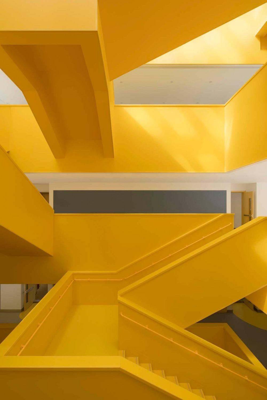 摄影师夏至)崇文23_中轴线楼梯的转折变化.jpg