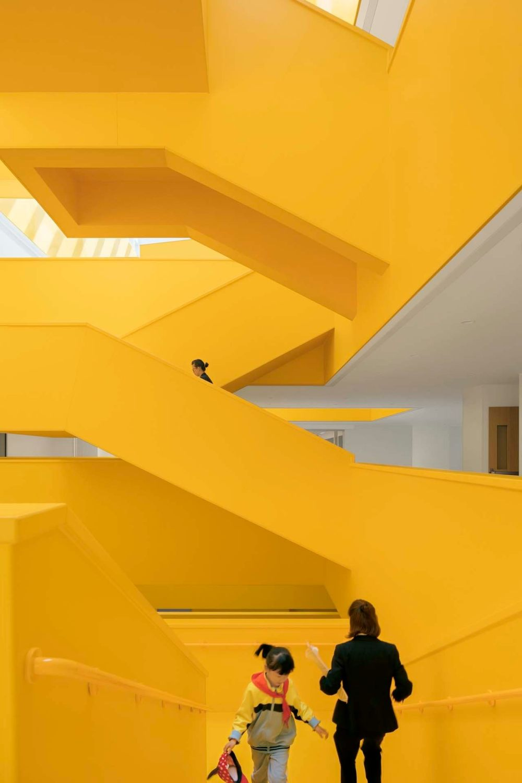摄影师夏至)崇文25_橙色的楼梯群.jpg