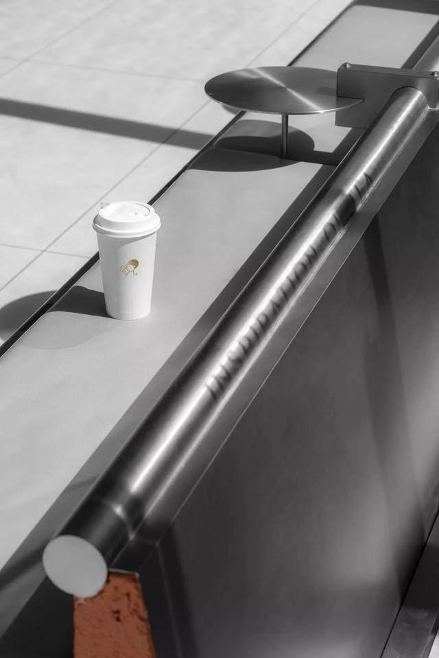 砂浆、不锈钢,喜茶的新店越来越硬核_砂浆、不锈钢,喜茶的新店越来越硬核-22.jpg