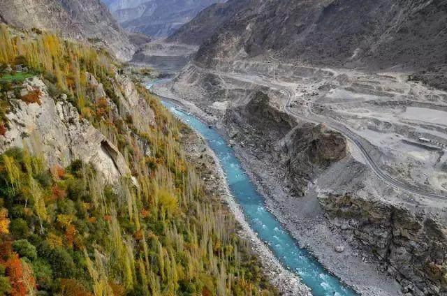 """这些让人欲罢不能的自驾天路,是新疆最超值的""""景点""""-71.jpg"""