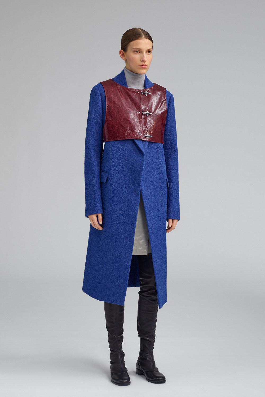 Fay时装系列感受潮流雨衣和短外套适合女性穿着别致的小腿裙-2.jpg