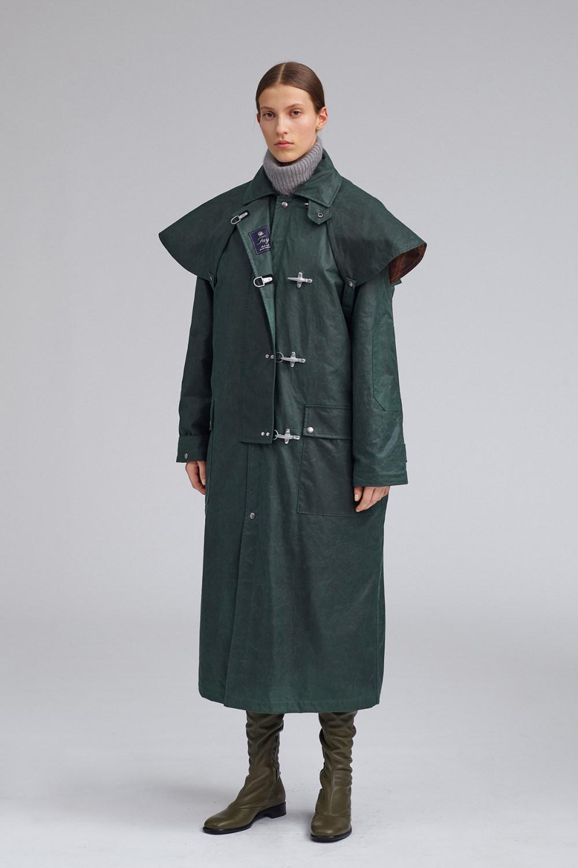 Fay时装系列感受潮流雨衣和短外套适合女性穿着别致的小腿裙-14.jpg