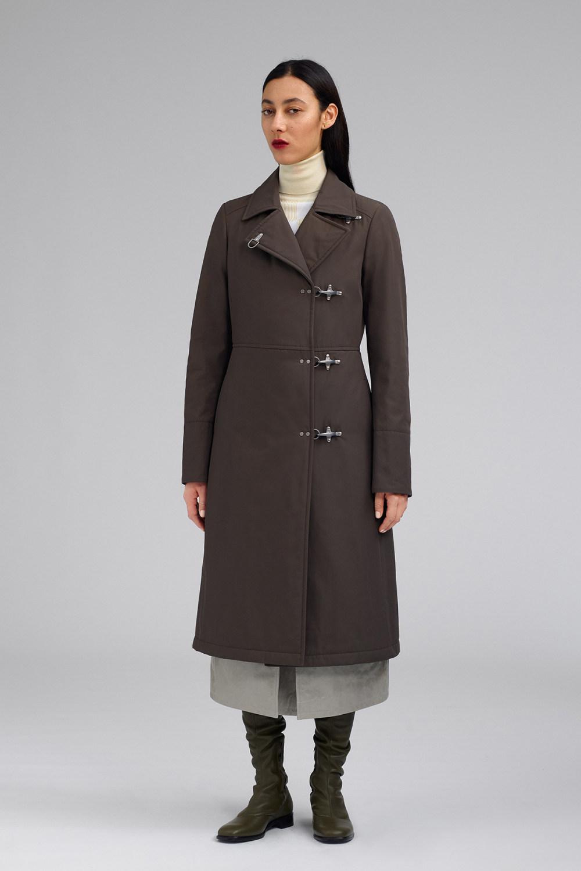 Fay时装系列感受潮流雨衣和短外套适合女性穿着别致的小腿裙-15.jpg
