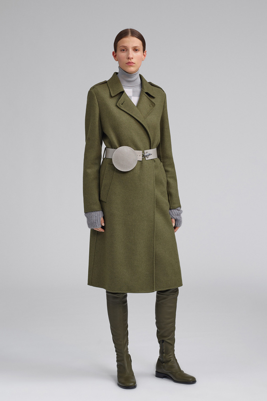 Fay时装系列感受潮流雨衣和短外套适合女性穿着别致的小腿裙-16.jpg