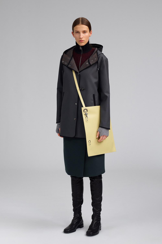 Fay时装系列感受潮流雨衣和短外套适合女性穿着别致的小腿裙-17.jpg