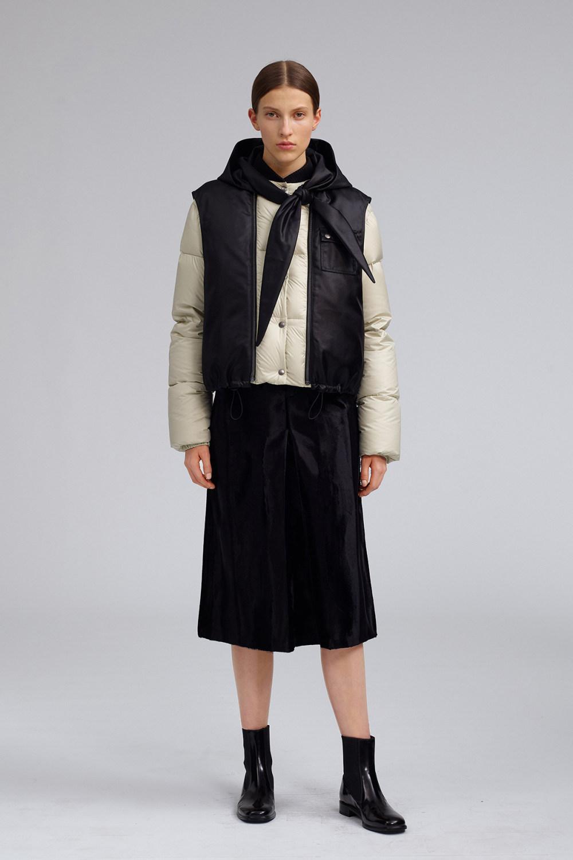 Fay时装系列感受潮流雨衣和短外套适合女性穿着别致的小腿裙-19.jpg