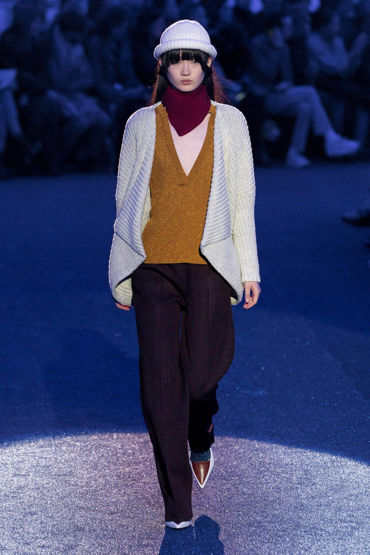 Missoni时装系列图形拼色也有助于丰富最小的无袖或单肩束腰外衣-2.jpg
