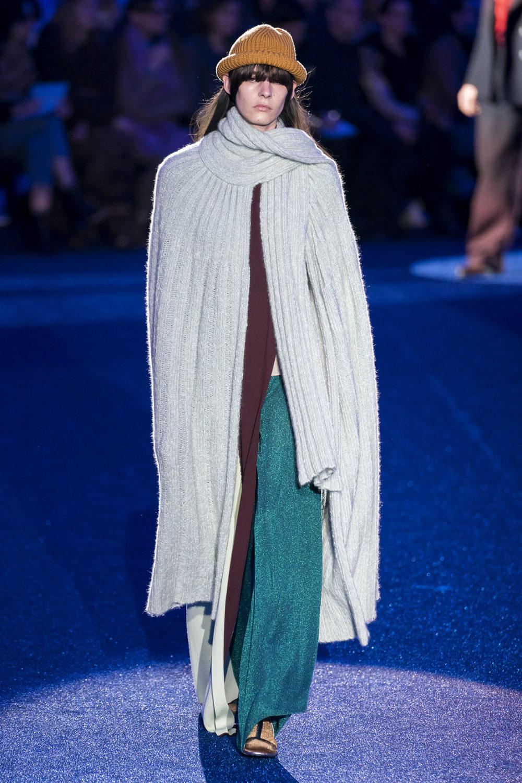 Missoni时装系列图形拼色也有助于丰富最小的无袖或单肩束腰外衣-3.jpg