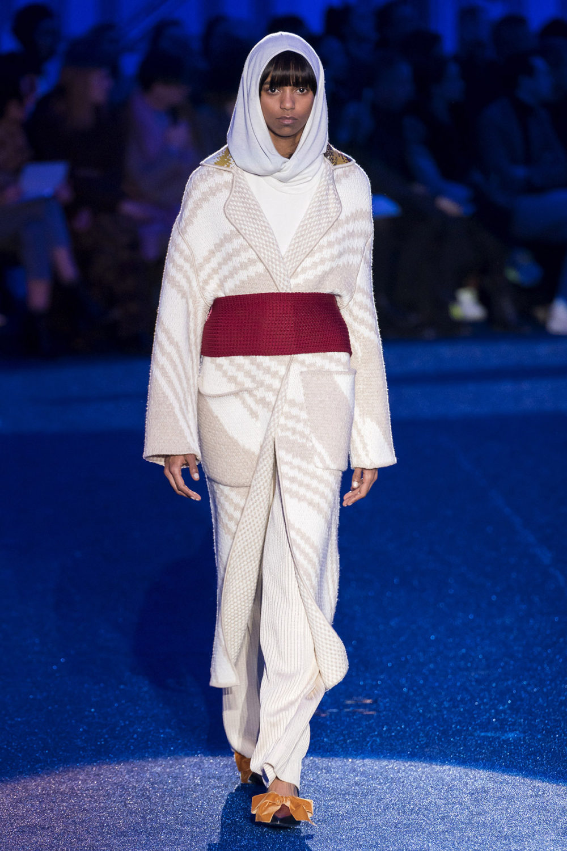 Missoni时装系列图形拼色也有助于丰富最小的无袖或单肩束腰外衣-8.jpg