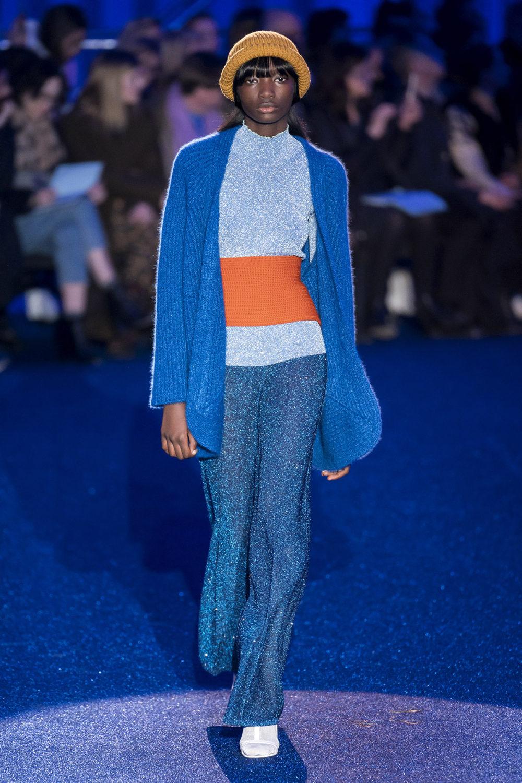 Missoni时装系列图形拼色也有助于丰富最小的无袖或单肩束腰外衣-14.jpg