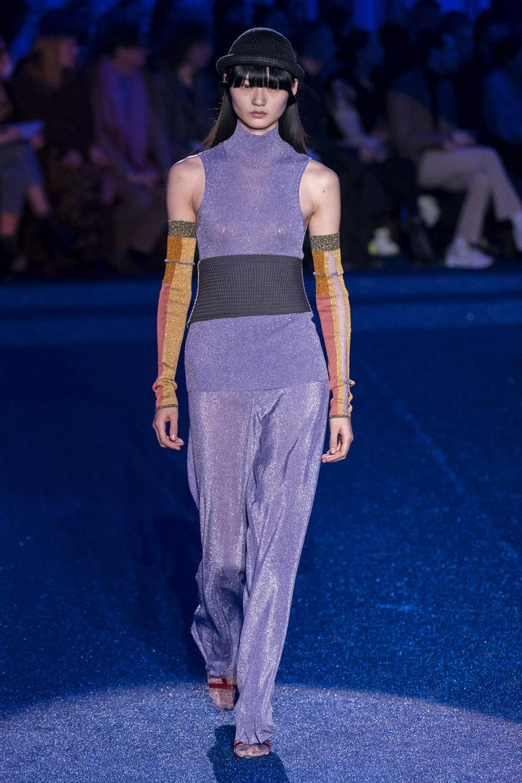 Missoni时装系列图形拼色也有助于丰富最小的无袖或单肩束腰外衣-20.jpg