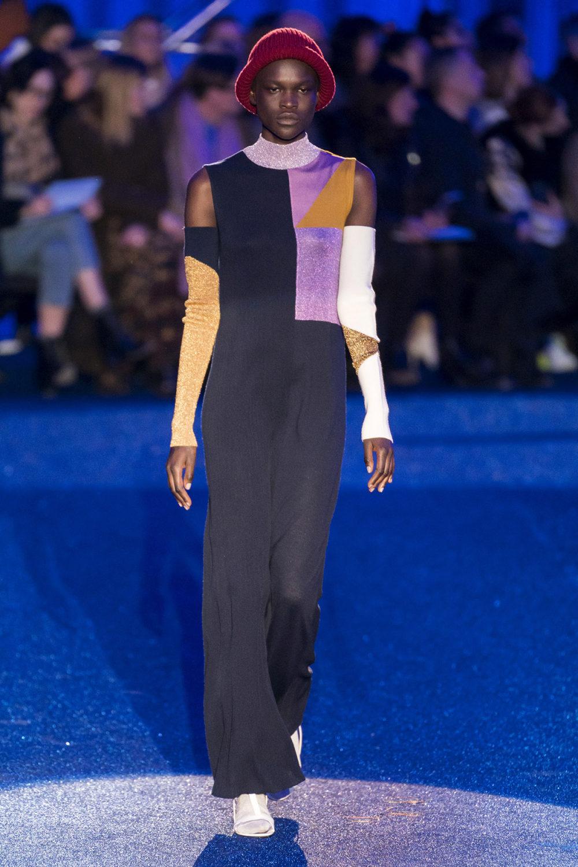 Missoni时装系列图形拼色也有助于丰富最小的无袖或单肩束腰外衣-26.jpg