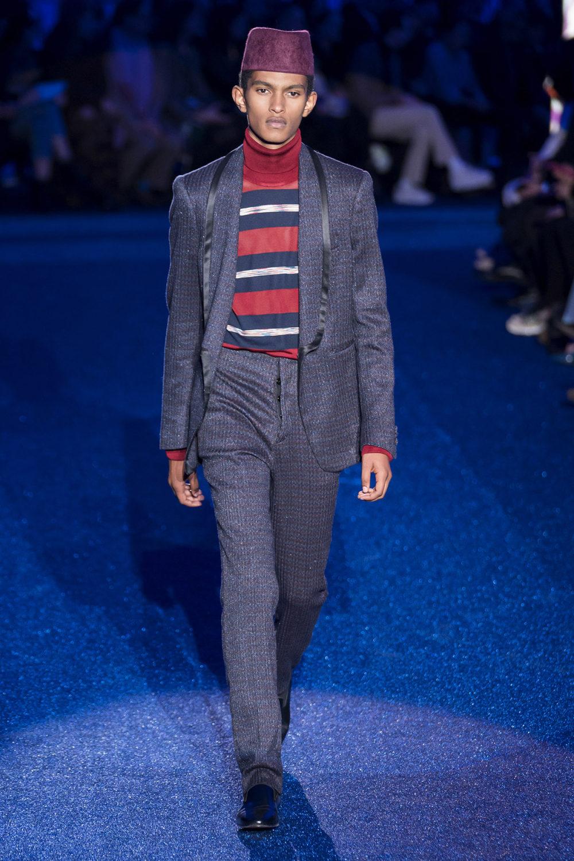 Missoni时装系列图形拼色也有助于丰富最小的无袖或单肩束腰外衣-27.jpg