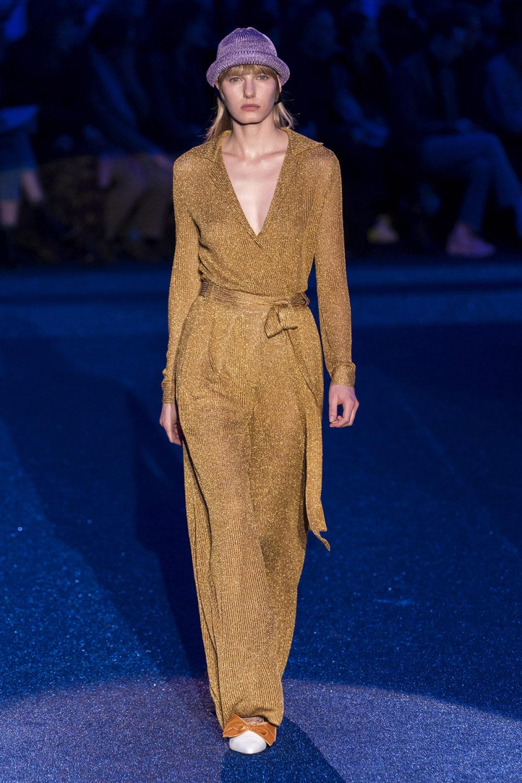 Missoni时装系列图形拼色也有助于丰富最小的无袖或单肩束腰外衣-28.jpg