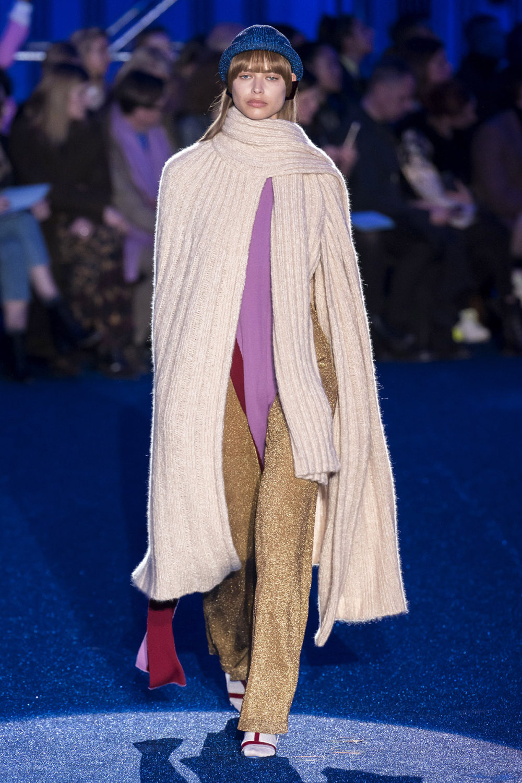Missoni时装系列图形拼色也有助于丰富最小的无袖或单肩束腰外衣-29.jpg