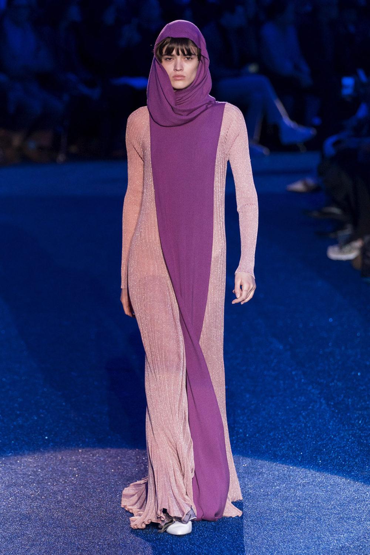 Missoni时装系列图形拼色也有助于丰富最小的无袖或单肩束腰外衣-31.jpg